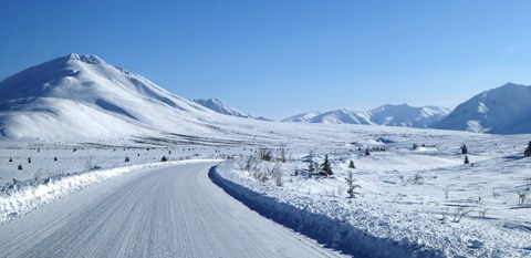 Arctic Winter Explorer - Ice Road to the Arctic Sea
